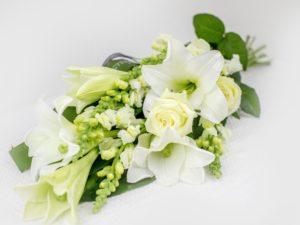 Kasileinakimp-valgete-lilledega