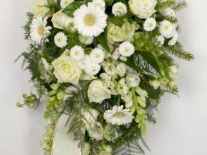 Leinakimp erinevate valgete lilledega