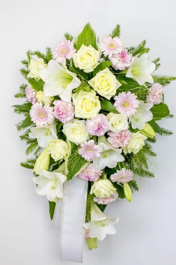 Leinakimp valgete ja roosade lilledega