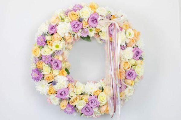 Lillepärg suur valgete ja roosade lilledega