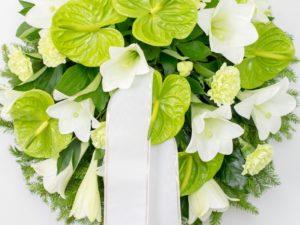 Matusepärg kuuseokstel valge roheliseg